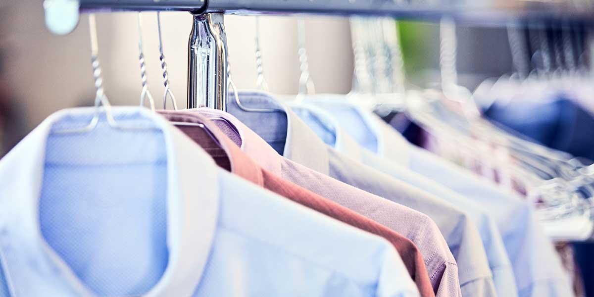 Hemden waschen und bügeln | Reinigung von Blusen | Reinigung Stark München